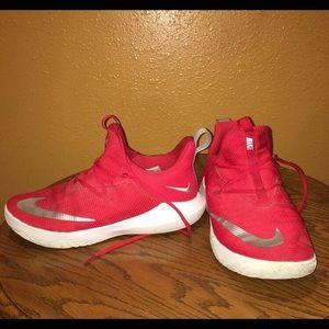 Nike Mens Zoom 2 Basketball Shoe